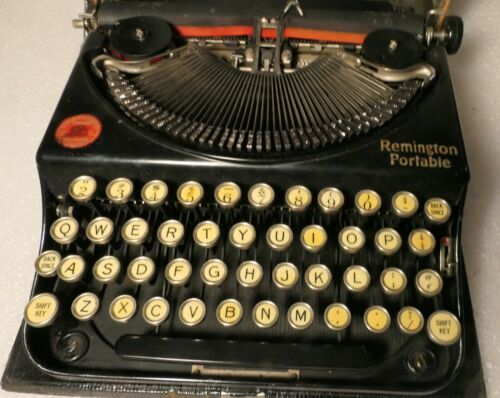 ANTIQUE TYPEWRITER REMINGTON PORTABLE 1920