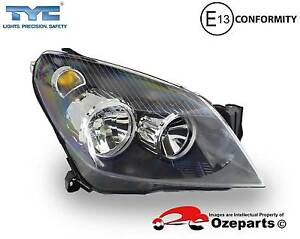 Holden Astra AH Series******2010 RH Right Hand Head Light Front L Dandenong Greater Dandenong Preview