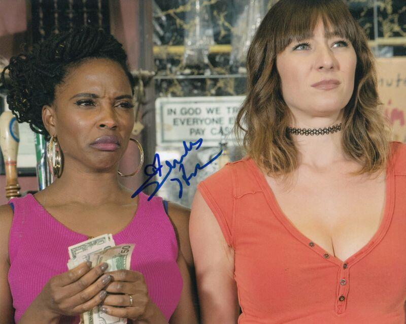 SHANOLA HAMPTON signed (SHAMELESS) TV Show 8X10 photo *VERONICA* W/COA #SH5