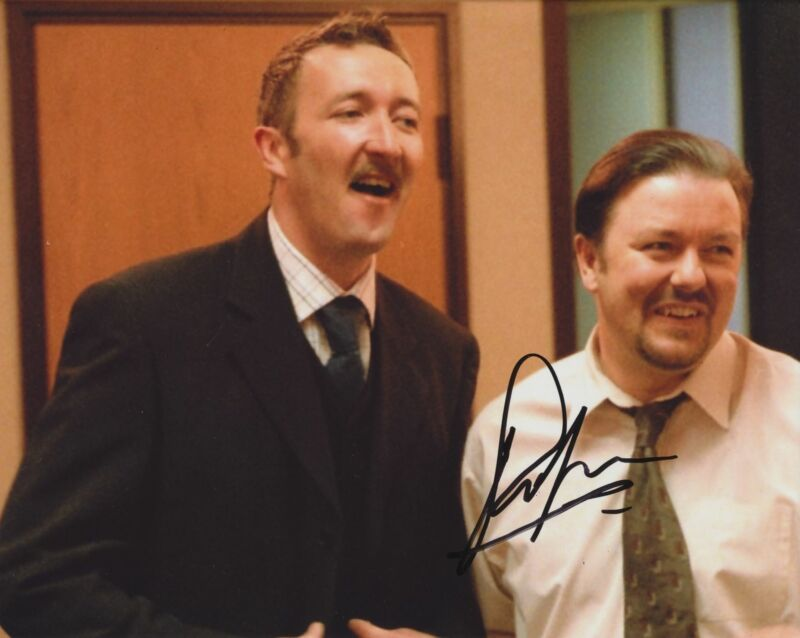 RALPH INESON SIGNED THE OFFICE 8X10 PHOTO