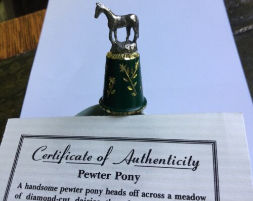 Pewter THIMBLE by Academy Pewter. PEWTER PONY in meadow of diamond-cut daisies.