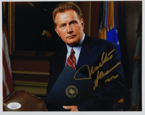 Martin Sheen JSA Autograph Signed Photo 8 x 10 The West Wing