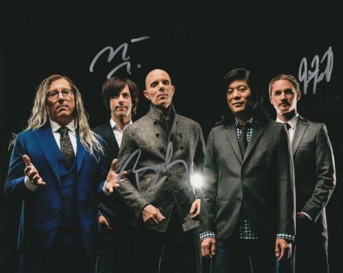 * A PERFECT CIRCLE * signed 8x10 photo * HOWERDEL, MCJUNKINS, FRIEDL * 4