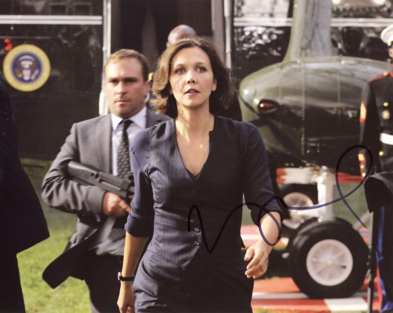 """Maggie Gyllenhaal """"White House Down"""" AUTOGRAPH Signed 8x10 Photo ACOA"""