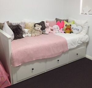 IKEA Hemnes Day Bed, 6 months old Naremburn Willoughby Area Preview