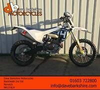 Husqvarna FE 450 2018 ** 1 Owner ** Low Hours ** Akropovic **