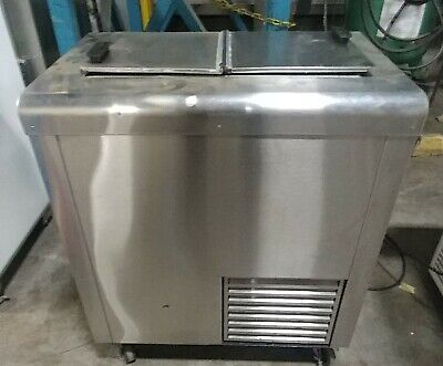 Nelson Mfg. Bs2 - Conventional Stainless Steel Dipping Cabinet 3-tubs