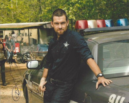 ACTOR ANTONY STARR SIGNED AUTHENTIC 'BANSHEE' LUCAS HOOD 8X10 PHOTO w/COA