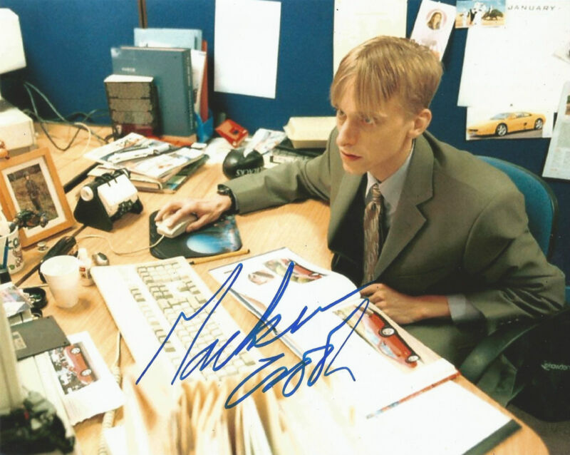 Mackenzie Crook Signed The Office 10x8 Photo AFTAL