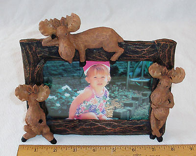 NIB POLYRESIN WHIMSICAL 3-D TRIPLE MOOSE PICTURE FRAME HOLDS ONE 4 X 6 PICTURE ()