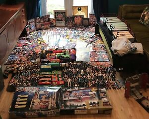 HUGE LOT OF WWE/WRESTLING