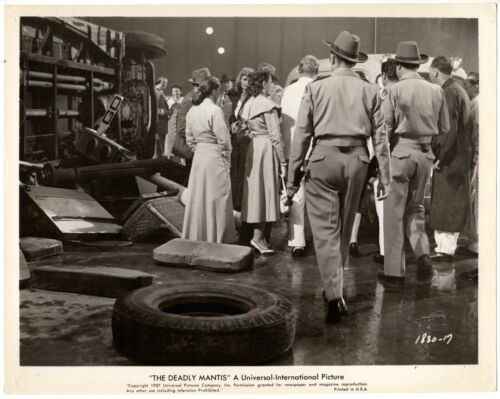 *THE DEADLY MANTIS (1957) Police and Civilians Walk Among Carnage 50