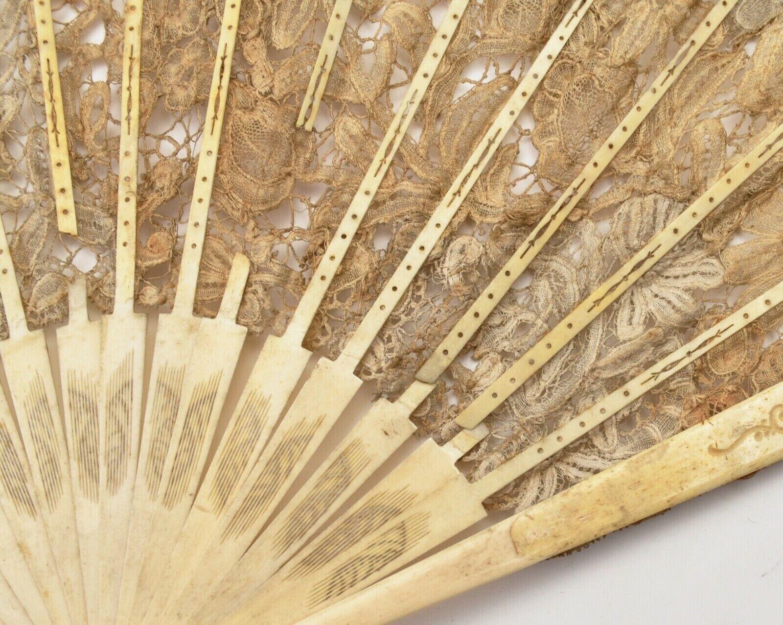 Eventail ancien de collection dentelle antique lace fan