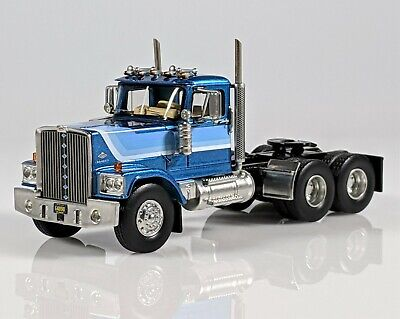 1/64 NEO Scale Models 1974  Diamond Reo Raider Truck Same Scale as DCP/1st Gear!