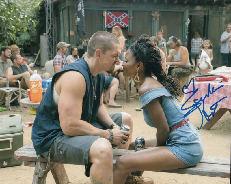 SHANOLA HAMPTON signed (SHAMELESS) TV Show 8X10 photo *VERONICA* W/COA #SH6