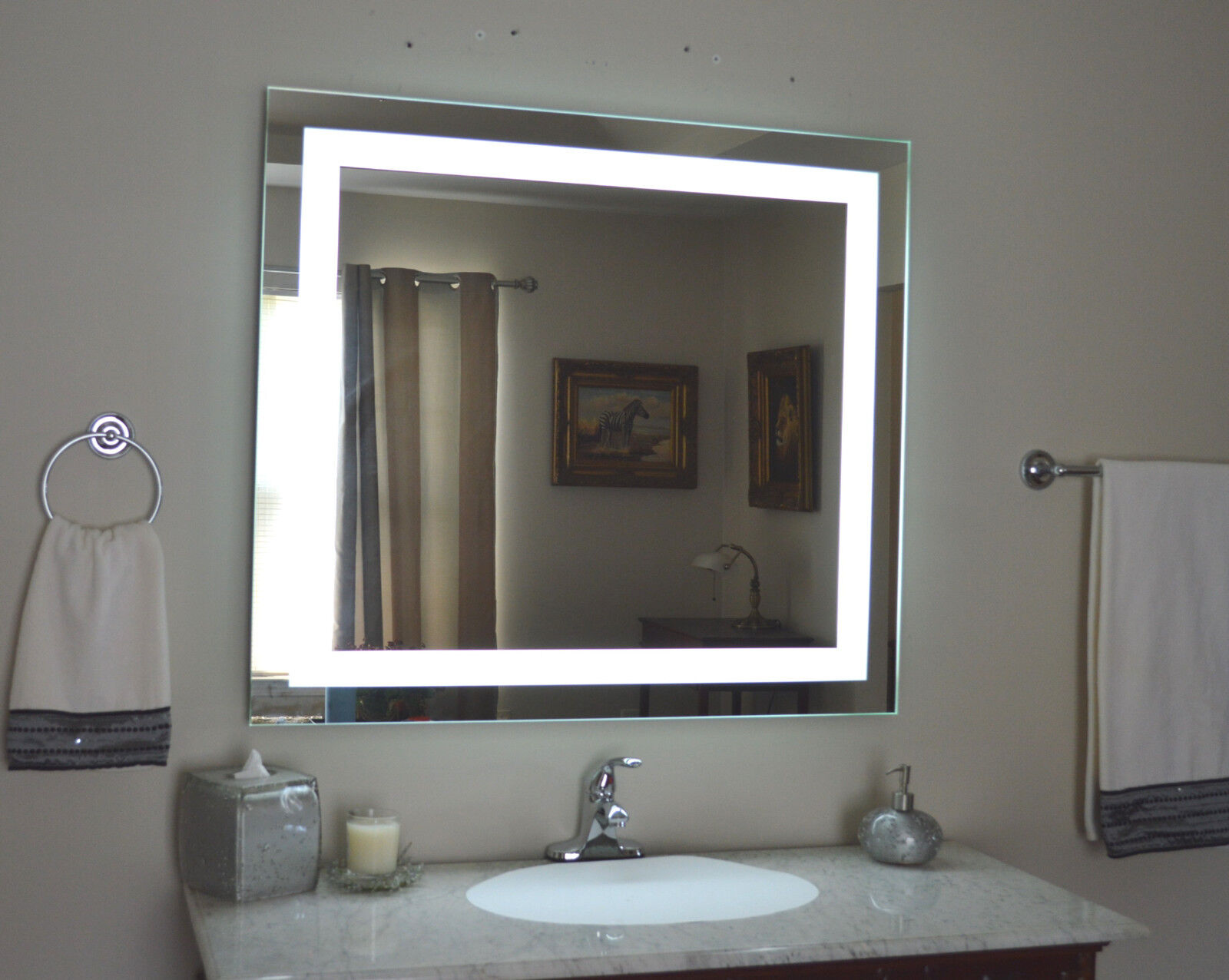 Lighted Vanity Mirror, Led Lighted, Wall Mounted MAM84036