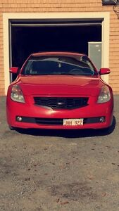 2009 Nissan Altima coupe 3.5v6 6 speed fully loaded!!