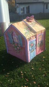 Kids play house  Windsor Region Ontario image 1