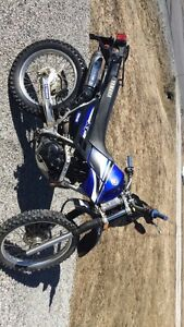 2006 Yamaha XT225 Street and Trail