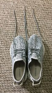 Brand New Men's Size 9.5 Adidas Yeezy Boost 350 in Grey/White
