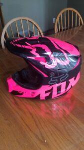 Women's medium pink motocross helmet with goggles