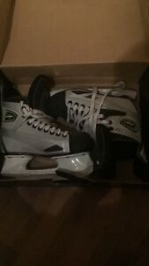 Mission skates size 6 for sale