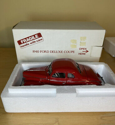 Danbury Mint 1940 Ford Deluxe Coupe Red Diecast Car Model Collectible 1:24 Scale