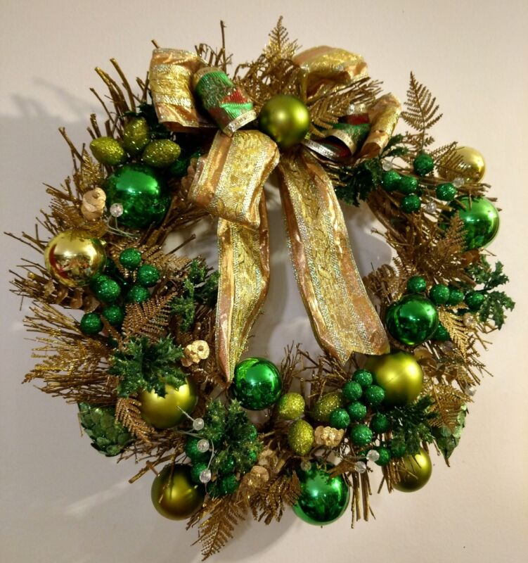 Christmas Holiday Wreath Green & Gold 16 Inch Diameter