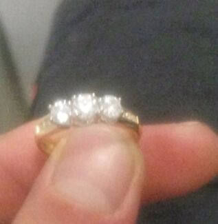 18ct white & yellow gold engagement ring Thornlie Gosnells Area Preview