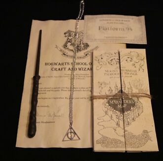 Harry Potter Pack with Silver Deathly Hallows Necklace