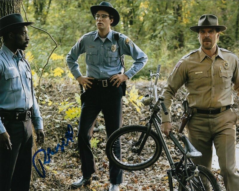 GFA Stranger Things Officer * ROB MORGAN * Signed Autograph 8x10 Photo AD1 COA