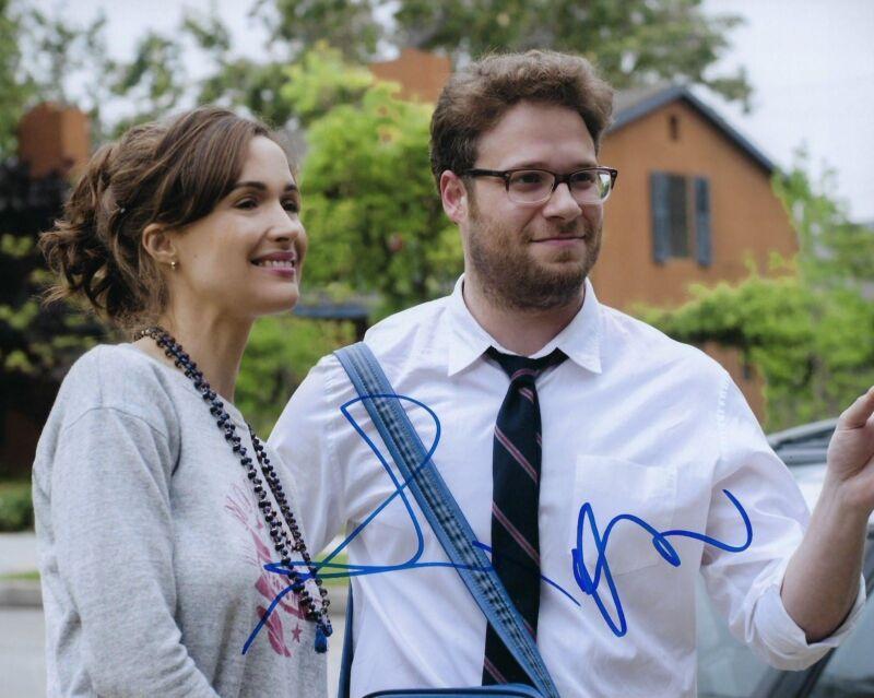 GFA Neighbors * SETH ROGEN & ROSE BYRNE * Signed Autograph 8x10 Photo S2 COA