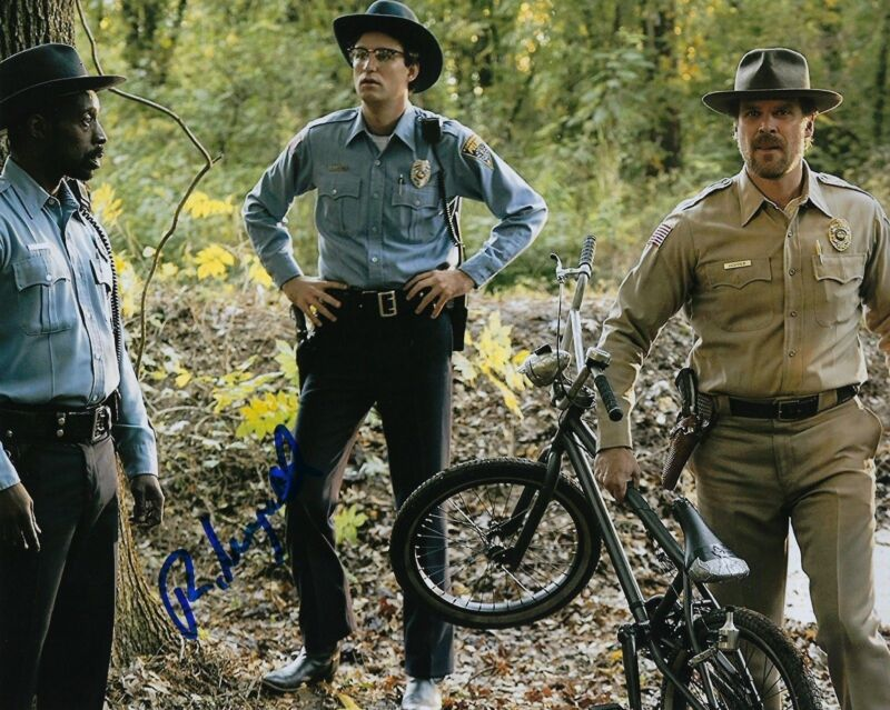 GFA Stranger Things Officer * ROB MORGAN * Signed Autograph 8x10 Photo R2 COA