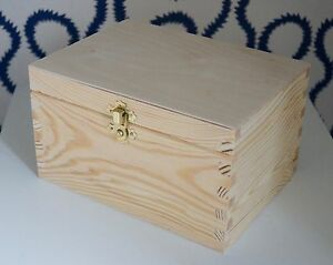 wooden box with lid decorative clasp storage craft. Black Bedroom Furniture Sets. Home Design Ideas