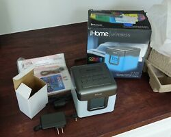 NEW iHome LED Color Changing Bluetooth Enabled dual Alarm Clock Radio USB iBT28