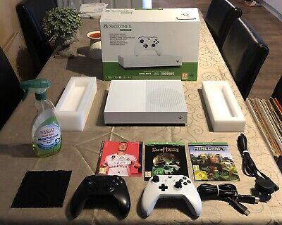 Xbox One S All Digital.