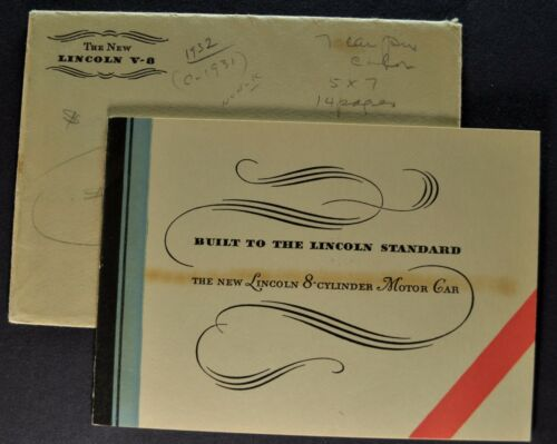 1932 Lincoln V-8 Small Catalog Sales Brochure + Envelope Excellent Original 32