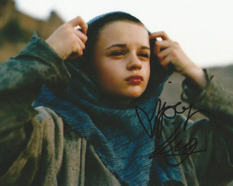 **GFA The Dark Knight Rises *JOEY KING* Signed 8x10 Photo MH2 COA**