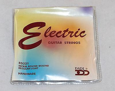 - SET OF DADI 10-46 REGULAR LIGHT NICKEL ROUND WOUND ELECTRIC GUITAR STRINGS EG221