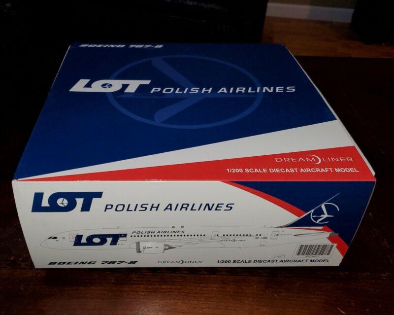 1:200 LOT Polish Boeing 787 diecast model plane. w/stand & gears