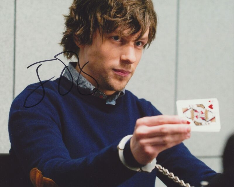 JESSE EISENBERG SIGNED NOW YOU SEE ME 8X10 PHOTO