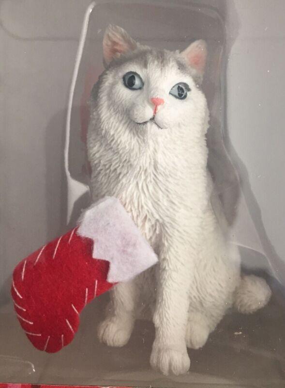 SANDICAST Ragdoll Bicolor Cat CHRISTMAS ORNAMENT. NIB