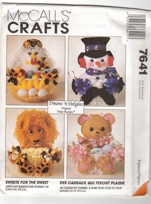 McCalls Sewing Pattern Gift Baskets Hen Snowman Lion Bear Santa Dog UNCUT 7641