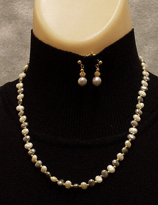 (Lovely Goldtone 2 Color Faux Pearl Necklace Earring Set )