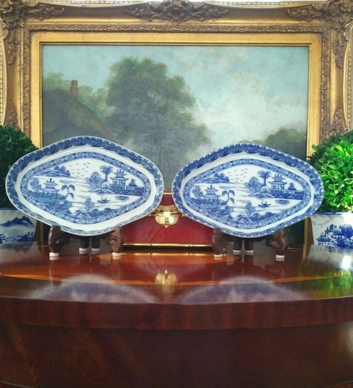 Stunning Rare Blue White Mottahedeh Canton Export Style Chinoiserie Plate Pair