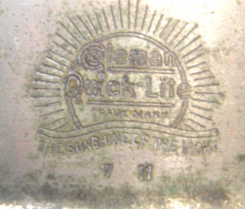 ANTIQUE COLEMAN QUICK LITE NICKEL FINISH TABLE LANTERN LAMP STAMPED 7 11
