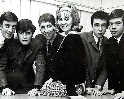 """Lulu and the Luvvers Ipswich 10"""" x 8"""" Photograph no 4"""
