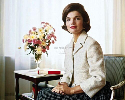 JACQUELINE KENNEDY IN JUNE 1955 - 8X10 PHOTO (OP-852)