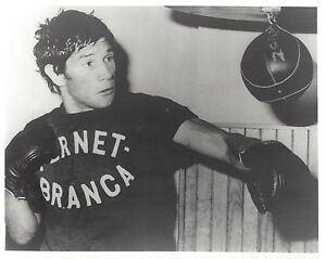 CARLOS MONZON 8X10 PHOTO BOXING PICTURE