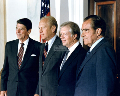 RONALD REAGAN w/ GERALD FORD, JIMMY CARTER AND RICHARD NIXON  8X10 PHOTO (AZ997)